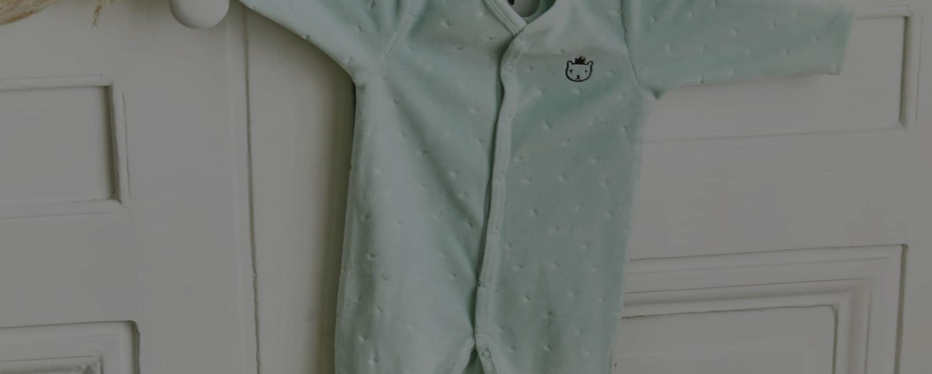 Vêtements pour bébé et futures mamans